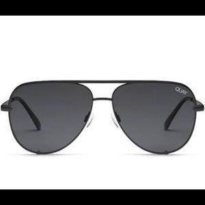 NWT Quay x Desi Black High Key Aviator Sunglasses